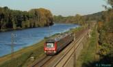 Oktober 2011 bei Günzburg: Baureihe 440 mit RE 57124.