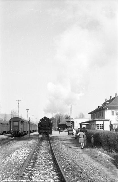 Alle anderen Bahngebäude samt dem Lokschuppen wurden im Zuge des Kanalbaus abgebrochen.