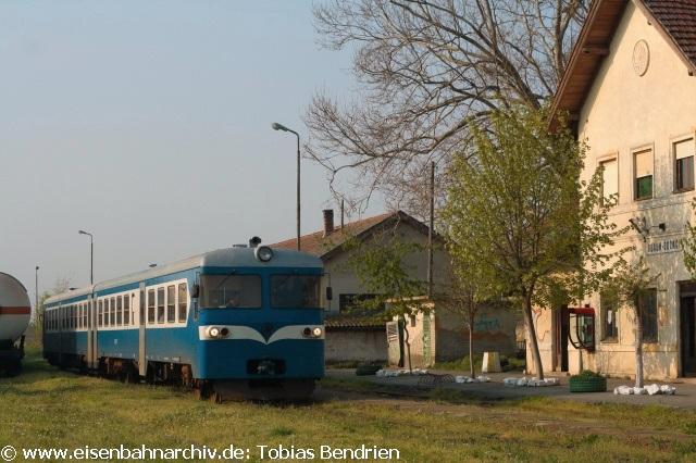 17.04.2011: 714 / 712in Odzaci (Strecke Novi Sad - Sombor).