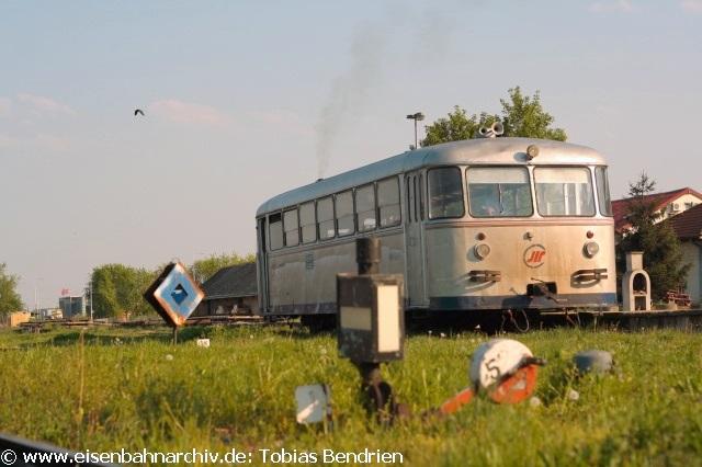 21.04.2011: 812 - 015 kehrt von Sabac nach Ruma zurück..