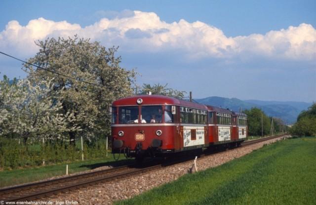 Schienenbus bei Oberkich