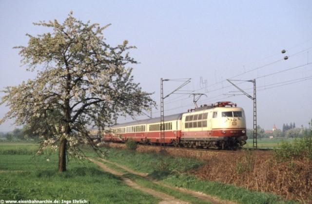 IC mit 103 154 am 1. Mai 1987 bei Lahr
