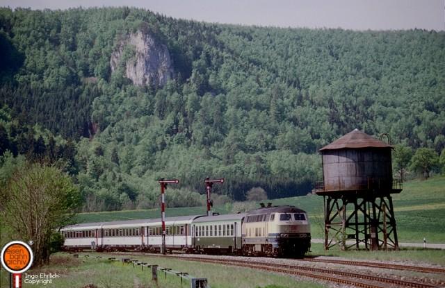 218 484 mit Militärzug der SNCF in Hausen