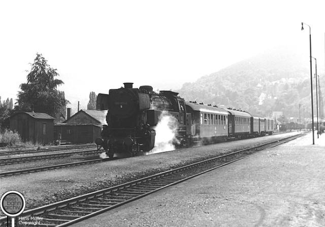 065 001 im alten Kopfbahnhof von Miltenberg