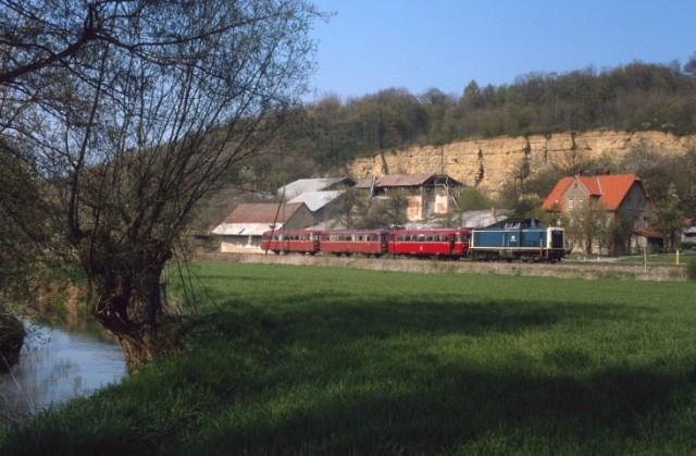 212 210 bei Reihen (Strecke Eppingen-Sinsheim)