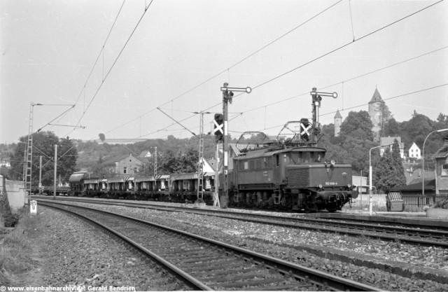 E 93 006 im Bahnhof Möckmühl