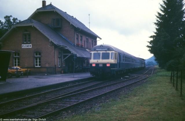 V100 Wendezug am 21.08.1981 im Bahnhof Elzach