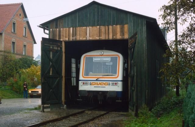 VT 122 der SWEG im November 1982 in Hüffenhardt