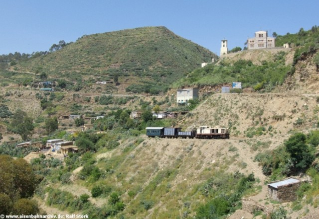 Zug beim Kloster Shegerini