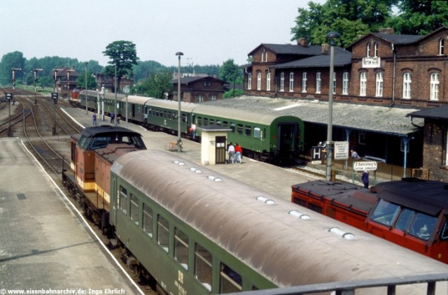 Hochbetrieb im Bahnhof Karow (Mecklenburg)