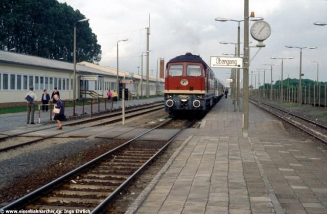 232 602 am 16.06.1990 im Grenzbahnhof Herrenburg