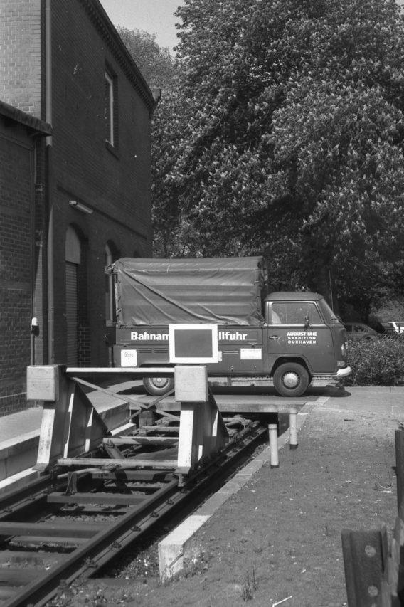 Bahnamtliche Rollfuhr - der Spedition August Uhe, Cuxhaven.