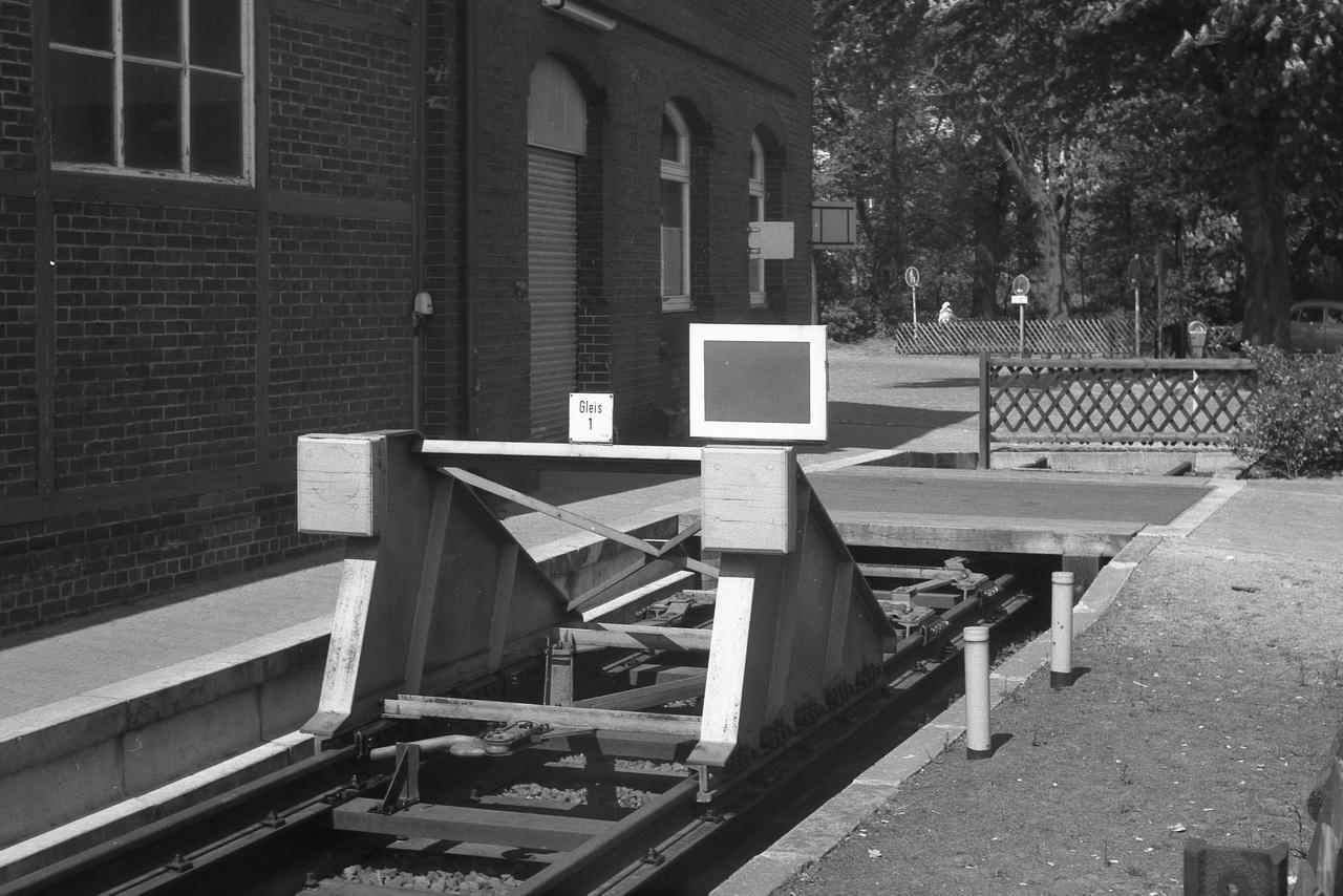 Ab und zu entstehen auf dieser Reise Bilder von den Kleinigkeiten am Rande des Bahnbetriebs. Wer achtet schon auf Prellböcke?