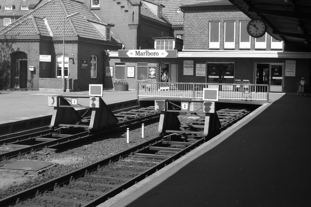 Hier eine kleine Auswahl aus dem Cuxhavener Bahnhof. Zugleich ist das das Ende des Aufenthaltes in Cuxhaven. Der Zug nach Stade wartet.