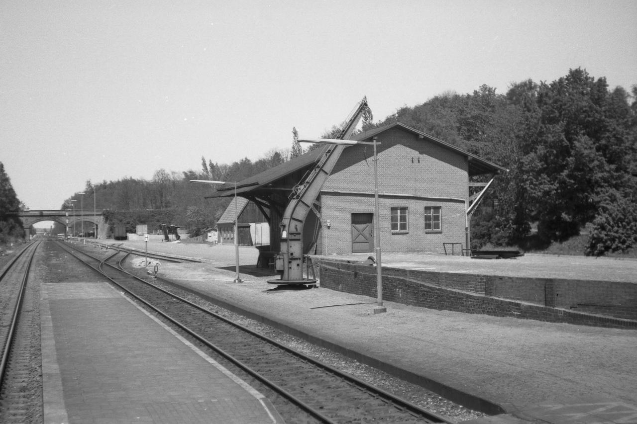 Güterhalle des Bahnhofs Basbeck-Osten.