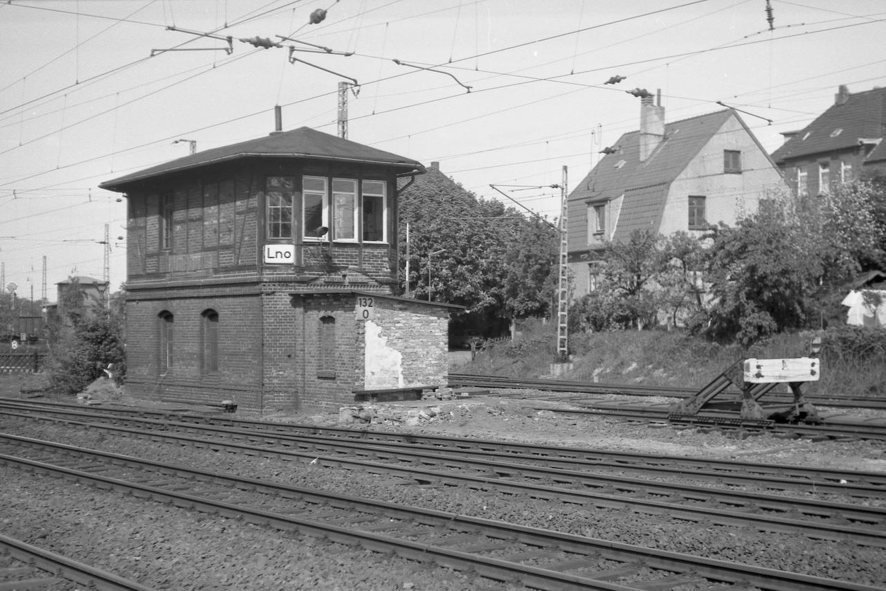 Nächste Station auf der Rundreise war Lüneburg. An der Abzweigung der Strecke nach Lauenburg das Stellwerk Lno.