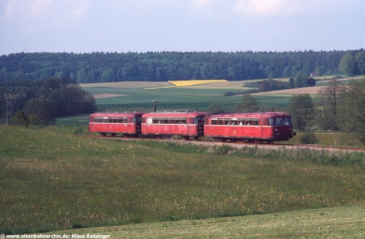 29.05.1991: 798 795 mit N 6060 bei Walkertshofen.