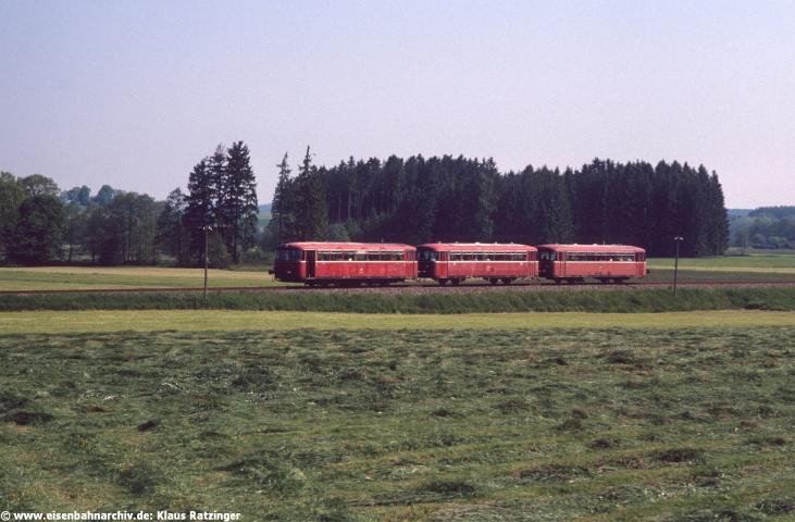 31.05.1991: Die Garnitur des N 6057 bei Fischach.