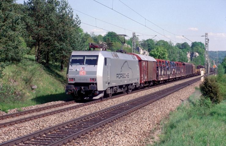 Porsche-Lok 152 041 am 10.05.2001 bei Dollnstein