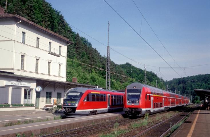 In Eichstätt Bahnhof besteht Anschluß nach Eichstätt Stadt (26.05.2001)