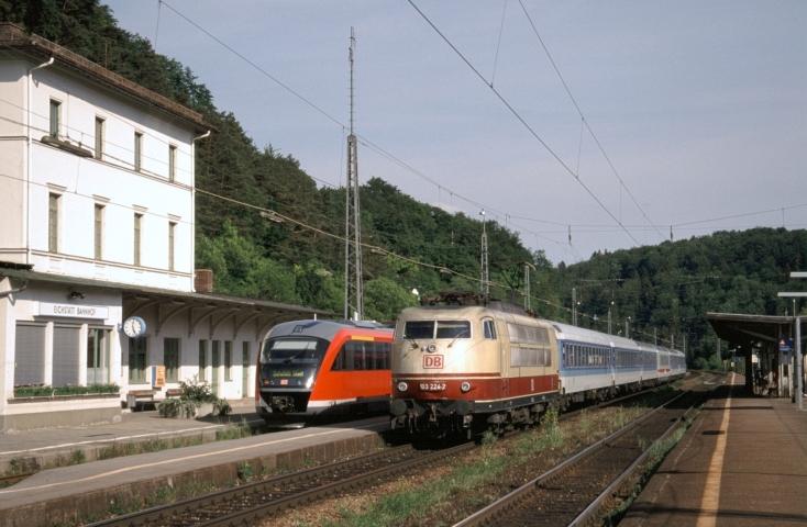 103 224 stellte mit IR am 26.05.2001 den Anschluss nach Eichstätt Stadt sicher
