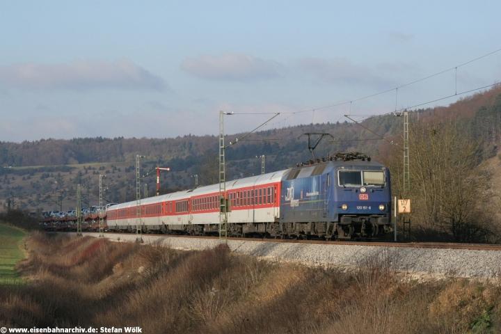 120 151 am 22.12.2006 bei Dollnstein vor Autozug 1421