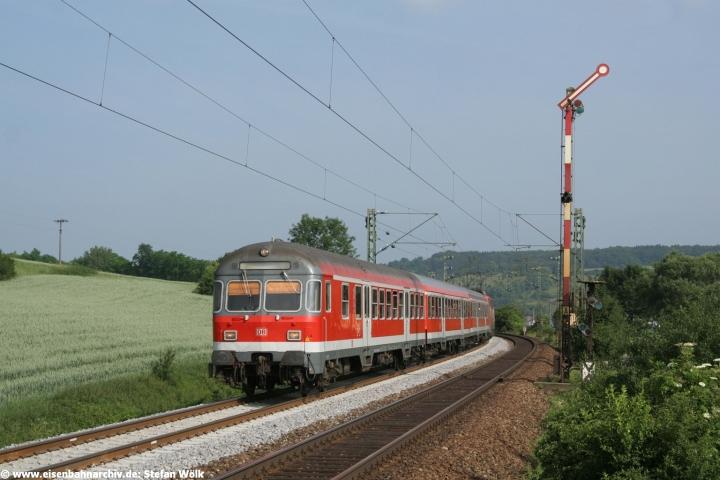 RB 30463 mit Bn Steuerwagen am 24.06.2006 erreichte Dollnstein