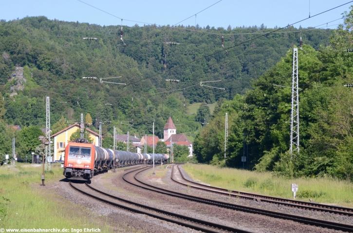 482 048 der HRS Hamburger Rail Service im Bahnhof Solnhofen (03.06.2019)